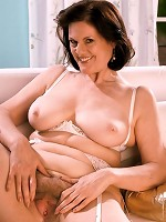 ItsLive.com - Mature Women
